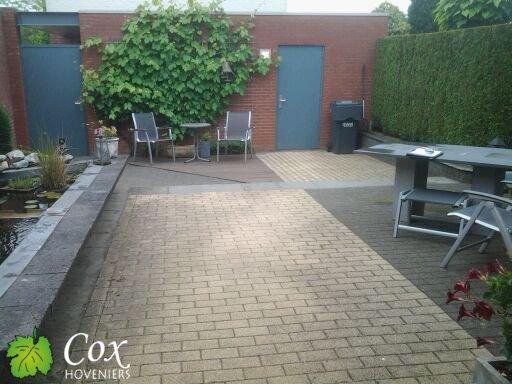 Cox hoveniers aanleg terras met vijver sittard v o f cox hoveniers for Wat lemmet terras betekent