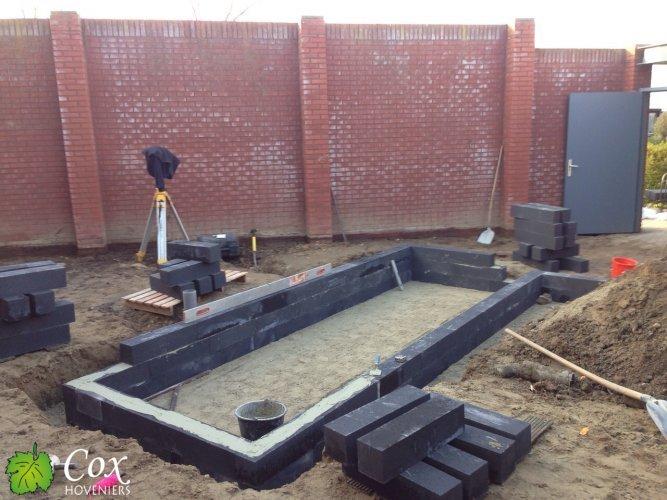 Cox hoveniers aanleg terras met vijver sittard cox hoveniers