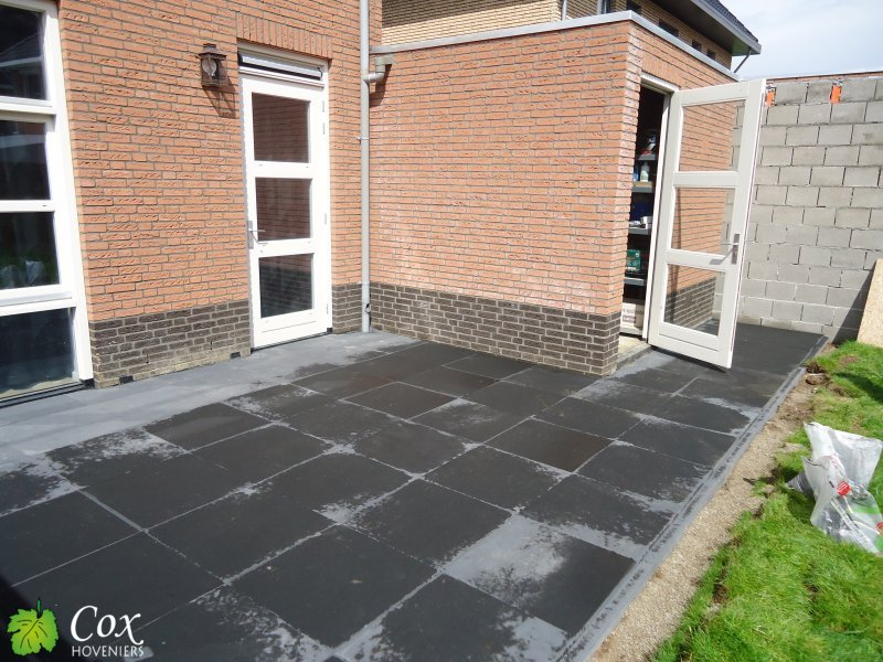 Project asenray cox hoveniers roermond tuinkeur for Tegels roermond