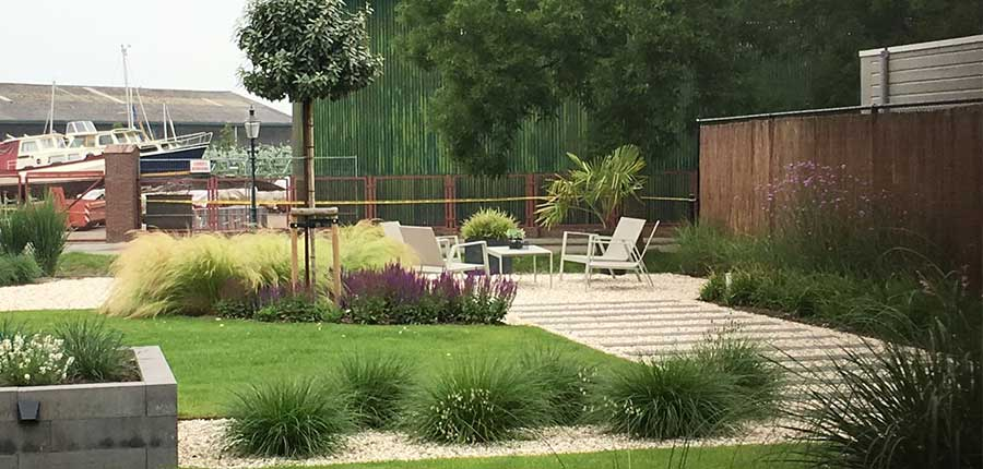 Tuinaanleg roermond cox hoveniers roermond tuinkeur for Huis tuin roermond